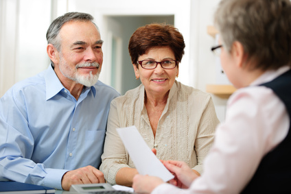 Senior couple discussing financial plan with consultant © Alexander Raths - Fotolia.com