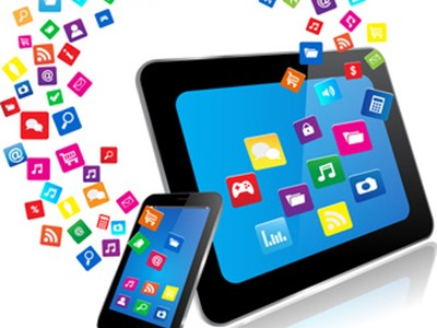 Tablet PC and Smart Phone with apps © monicaodo - Fotolia_58251068_XS.jpg