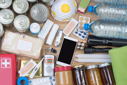 Objects useful in emergency situations such as natural disasters, top view © photka - Fotolia_157267191_XS.jpg